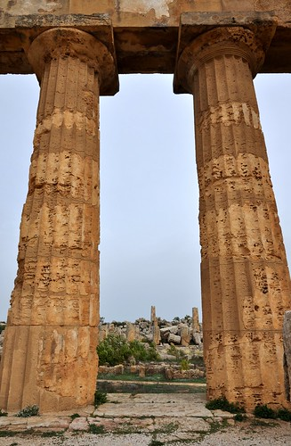 Selinunte (Sicilia-Italia). Templo E o de Hera. Detalle de columnas
