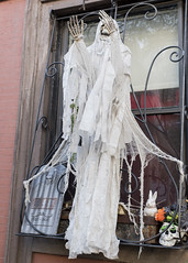 Upper East Side Ghost (snej1972) Tags: privat newyork usa city sebastianwalleit sebastian holiday vacation manhattan bus stadtrundfahrt metropolitanmuseum museum harlem upperwestside