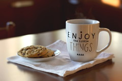 Afternoon (Shahrazad_84) Tags: mug cup cosy cozy cosytime home homesweethome kitchen cookies autumn enjoythelittlethings snack food bokeh