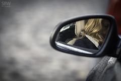 hh_02.1 (SBW-Fotografie) Tags: sbw sbwfoto sbwfotografie canon canon70d canoneos70d 70d 70200mm hamburg hansestadthamburg frau woman car auto spiegel mirror tropfen drops blonde blond blondine bokeh