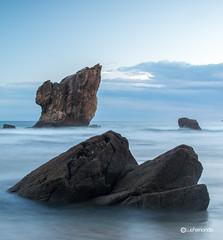 Playa De Aguilar (Luis Fernando Prez Fotografia) Tags: playa portizuelo silencio gueira asturias cudillero oviana costas fotografia lffotografia principadodeasturias costaasturiana