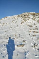 DSC_6396 (nic0704) Tags: scotland hiking walking climbing summit highlands outdoor landscape hill mountain foothill peak mountainside cairn munro mountains glencoe glen coe buachaille etive mor beag stob dubh raineach loch snow ice winter ridge