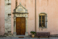 Crete / Kreta / : Tylissos (CBrug) Tags:   crete kreta creta crte greece griechenland grcia architektur architecture kirche church tr tor door entrance fenster window portal detail