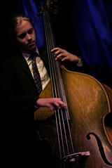 Playing the Double Bass (Jazzteffe) Tags: music flow colorful jazz doublebass minoltarokkor sonynex