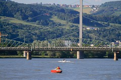 Linzfest 2013 -Tag 1 (austrianpsycho) Tags: bridge river linz boot boat boote fluss danube donau motorboot 2013 linzfest donaulände eisenbahnbrücke donaubrücke donaubrücken 18052013 linzfest2013