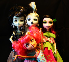 Monster_High_1 (Brundlefly85) Tags: monster toys scary dolls