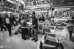 Mercado central - Valencia #2 (pixmac2011) Tags: people valencia shopping hall blackwhite spain market mercadocentral pixmac2011