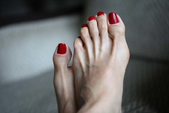 Rekha (IPMT) Tags: red sexy feet fetish foot amazing blood zoya perfect toes painted gorgeous polish flip barefoot stunning barefeet flops pedicure toots toenails toenail rekha tootsies pedi descalza