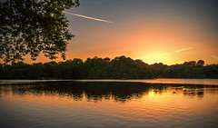 Knypersley Pool (Raven Photography by Jenna Goodwin) Tags: sunset sun colour tree water pool beautiful day clear frame stokeontrent staffordshire stoke knypersley