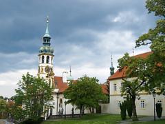 Prague (★ iolo ★) Tags: church prague praha eglise républiquetchèque f40 lorette iso80 §§§ ¹⁄₅₀₀s canonpowershots90 6225mm lrrouge