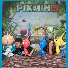 Nintendo Comic Con Pikmin booth! #sdcc #comiccon (Screen Team) Tags: square costume cosplay squareformat iphoneography jessicanigri angiegriffin screenteam instagramapp uploaded:by=instagram
