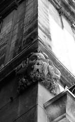 Two Face (Dan Raybould) Tags: statue gargoyle arles