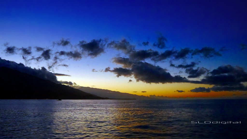 86614959767 Lahaina Harbor - leaving the harbor at 5 45am (SLDdigital) Tags  sunset