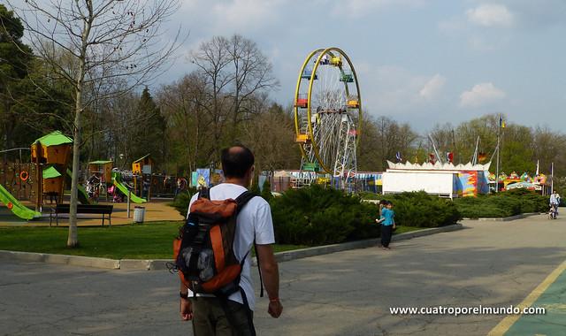 Paseo de reconocimiento por el complejo de parques de Herastrau