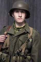 ([ raymond ]) Tags: private soldier army us uniform unitedstates military wwii helmet worldwarii grenade reenactment reenactors worldwar2 worldwartwo ridleycreekstatepark img6861 colonialplantation colonialpennsylvaniaplantation