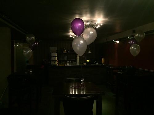 Tafeldecoratie 3ballonnen Brasserie de Verandering Rotterdam