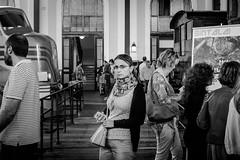 _DSF3078 (Antonio Balsera) Tags: bw bn mercadodemotores gente mirada madrid comunidaddemadrid espaa es