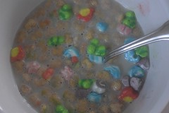 Lucky (marililamendoza1) Tags: hungry luckycharms luck lucky