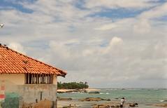 o fotógrafo (Ruby Ferreira ®) Tags: praiaoceânica husband sea oceanicbeach fotógrafo photographer stones lowtide marébaixa mar paintingonthewall