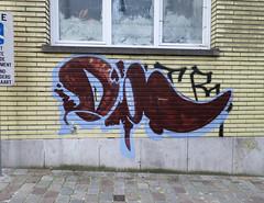 (pod) Tags: belgique belgium belgi graffiti tag streetart idiot