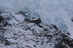Guggihütte des Schweizer Alpen Club SAC  ( BE - 2791m - Eröffnung 1910 - Hütte hutte cabane capanna hut ) in den Berner Alpen - Alps ob der Kleinen Scheidegg im Berner Oberland im Kanton Bern der Schweiz (chrchr_75) Tags: albumzzz201611november christoph hurni chriguhurni chrchr75 chriguhurnibluemailch november 2016 guggihütte sac berner oberland kantonbern hütte hut alpen alps albumsachüttenderschweiz gebäude kota hutte tóchar capanna 屋 cabana choza