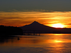 Sunrise with Mt. Hood and Columbia River in Washington (Jeff Hollett in Vancouver, WA) Tags: sunrise mounthood columbiariver vancouver washington