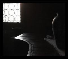 Old Stories - aus alter Zeit (macplatti) Tags: old vintage middleage altezeit ancient bw light shadows schaten lichtschatten lichtundschatten schattenspiele silhouettes abano venetien italy ita