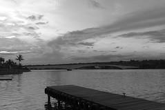 O Pier, a ponte e o Lago (Pedrosa Rodrigues) Tags: d3100 pb bw nikon nikkor bsb 1855 1855mm nikkor1855mm