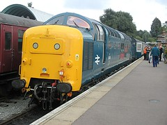 55019 Royal Highland Fusilier awaits departure from Ongar, EOR Epping Ongar Railway 08.10.16 (Trevor Bruford) Tags: eor epping ongar heritage railway br blue train diesel locomotive deltic d9019 9019 55019 royal highland fusilier napier ee english electric dps preservation society