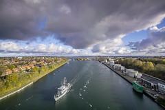 DSC3426 (ste.wi) Tags: bridge kiel canal nordostseekanal ship minesweeper navy water