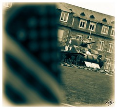 Opration Cobra (Phil 22) Tags: france vintage war cobra phil pentax military soldiers normandie guerre offensive normandy plage dday worldwar militaire k5 spia soldats jourj avranches 3945 dbarquement guerremondiale