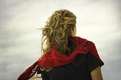 El viento (Inmacor) Tags: textura girl mujer rojo chica ines wind viento cielo pensar pelo contrapicado deespaldas ltytr2 ltytr1 ltytr3 ltytr4 inmacor