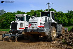 Liebherr L 566 (Alexandre Prvot) Tags: france wheel construction construccin worksite buildingsite loaders travaux chantier publics radlader neumticos eiffage wheelloaders cargadora chargeusesurpneus cargadorassobreneumticos baustellebauplatz