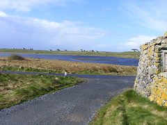 Loch Sandary (leedslily) Tags: blue sky cloud water grass stone wall north loch uist struanhouse knockintorran sandary
