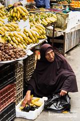 bananas (llus) Tags: fruit amman jordan bananas souq  womanshopping