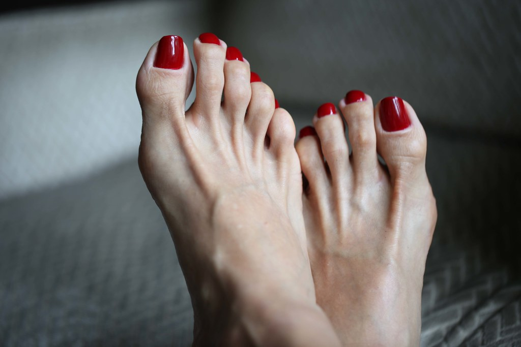 Sexy feet red painted toenails-9019