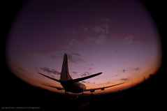 avio (Jack Venancio) Tags: pordosol torre interior jp torreeiffel viagem avio maio anoitecer joopaulo 2013 mio2013 araariguamna
