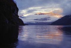 69 Flåm (M. SCHULZ) Tags: exa 1b canon 9000f kodak farbwelt 400 analog norwegen 35mm aurlandsfjord flåm film norway norge ihagee iso analogue