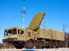 "S-400 Triumf (9) • <a style=""font-size:0.8em;"" href=""http://www.flickr.com/photos/81723459@N04/9815398035/"" target=""_blank"">View on Flickr</a>"