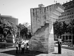 Plaa de Catalunya (Urban Lundh) Tags: barcelona leica blackandwhite bw olympus catalunya es summilux spanien dg omd m43 mft em5 25mmf14