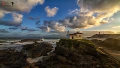 Virxe do Porto (Emilio Rodríguez Álvarez) Tags: españa marina canon mar coruña paisaje galicia 7d olas oceano valdoviño eos7d