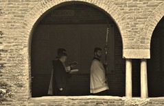 Sacred glance (Nal Faro) Tags: bologna santo stefano rituale rito religioso religious ritual