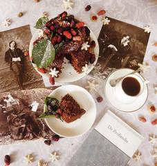 (sketchesofdreams) Tags: wilde oscarwilde deprofundis books book irish british berries literature coffee cookies cookie vegan desserts chocolate