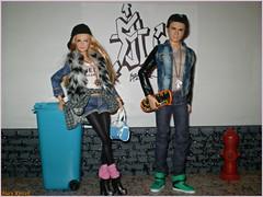 Street life (Mary (Mária)) Tags: barbie ken mattel dolls doll fashion urban streetwear outfit az azchallenge uurbanstreetwear u tris four divergent mary diorama scene 16 playscale street life