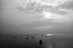 Solar do Unho - Salvador - Ba/Brasil (AmandaSaldanha) Tags: nature natrueza landscape paisagem dark sunset solardounho prdosol bahia brasil salvador blackandwhite pb bw