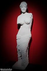 The Art Of The Brick (5) (Matteo Scardino) Tags: theartofthebrick tha art brick milano fabbricadelvapore lego mattoncini rosso red statue statua bianco white