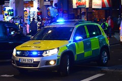 LR16 BZB (S11 AUN) Tags: london ambulance service las vw volkswagen tiguan 4x4 volunteer responder group rapid response unit paramedic rrv 999 emergency vehicle lr12bzb