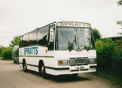 Spratts, Wreningham HIL6919 Fountains Abbey 1st July 1999 (leylandbus) Tags: bedford fountainsabbey spratts ymp plaxton wreningham hil6919