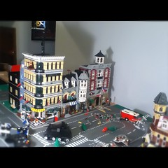 Building up! (Bryant.) Tags: house brick green logo fun photography gold was blog big cafe cool lego yeah sale lol no small halo running fair tags off bulls dot collection dont loot clones legos half com much sure bryant vignette grocer mech chantilly 2010 baus 2011 bricky legovignette legohouse legospace i legovehicle festivial brickarms foitstop brickfair city911