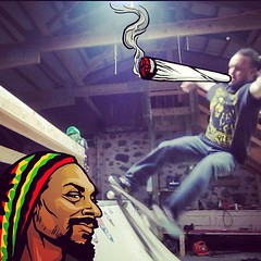 "@SnoopLion approved grindage! #snoopify • <a style=""font-size:0.8em;"" href=""http://www.flickr.com/photos/99295536@N00/8757323061/"" target=""_blank"">View on Flickr</a>"